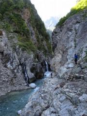 白竜峡と登山者