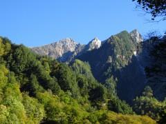 赤沢岳が見えると黒部ダムも近い
