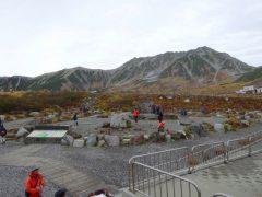 室堂ターミナルで見る立山三山