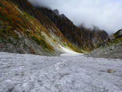 平蔵谷出合からの下りの雪渓