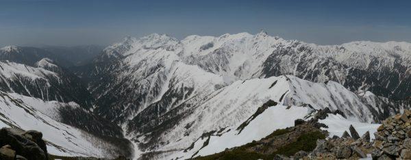大天井岳山頂で見る槍穂高連峰(2010/05/06)