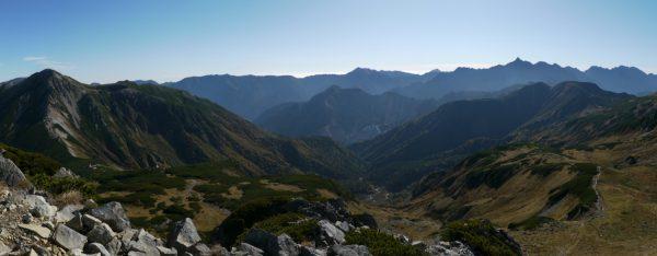 三俣蓮華岳にて鷲羽岳から槍穂連峰のパノラマ(2009/10/04)