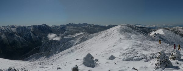 薬師岳にて野口五郎岳から水晶岳、槍穂連峰、北ノ俣岳に続くパノラマ(2009/10/11)
