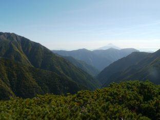 中盛丸山で見る富士山、焦点距離28mm