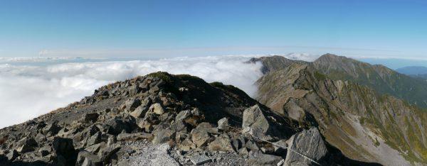 14時46分 赤石岳山頂にて
