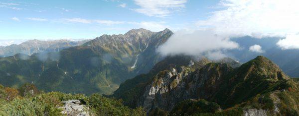霞沢岳K2ピークで見る奥穂高方面のパノラマ(2012/10/03)