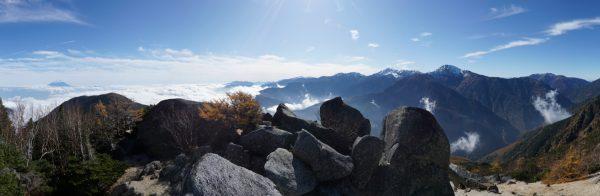 砂払岳でみる富士山から白峰三山、仙丈ケ岳のパノラマ