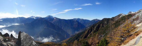 砂払岳付近で見る白峰三山から仙丈ヶ岳、観音岳へのパノラマ