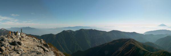 北岳山頂にて鳳凰三山方面のパノラマ(2009/09/25)