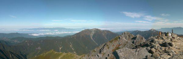 北岳山頂にて仙丈ケ岳方面のパノラマ(2009/09/25)
