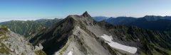 中岳にて、黒部五郎岳から槍ヶ岳、大天井岳にかけてのパノラマ(2009/09/07)