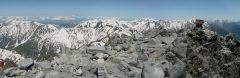 槍ヶ岳山頂にて笠ヶ岳から、黒部五郎岳、薬師岳、後立山連峰にかけてのパノラマ(2013/06/03)