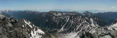 槍ヶ岳山頂にて後立山連峰から大天井岳、常念岳、蝶ヶ岳にかけてのパノラマ(2013/06/03)