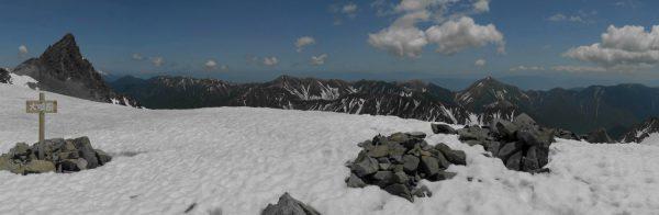 大喰岳山頂にて、槍ヶ岳から蝶ヶ岳方面のパノラマ