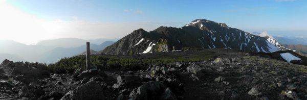 中白根山にて間ノ岳方面のパノラマ
