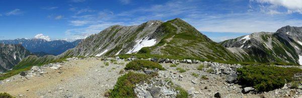 剱御前小舎裏山で見る別山